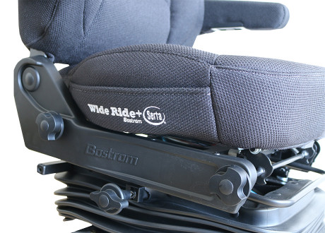 Bostrom Wide Ride Black Close up