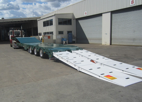 Tri Mid Tipping Deck Low Loader clear cut