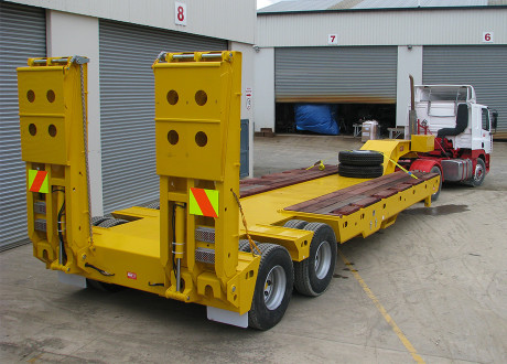 Trailers - 2x4 Minesite Low Loader